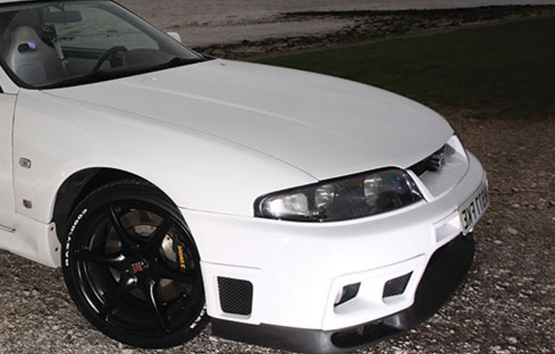 white-skyline-rbmotors